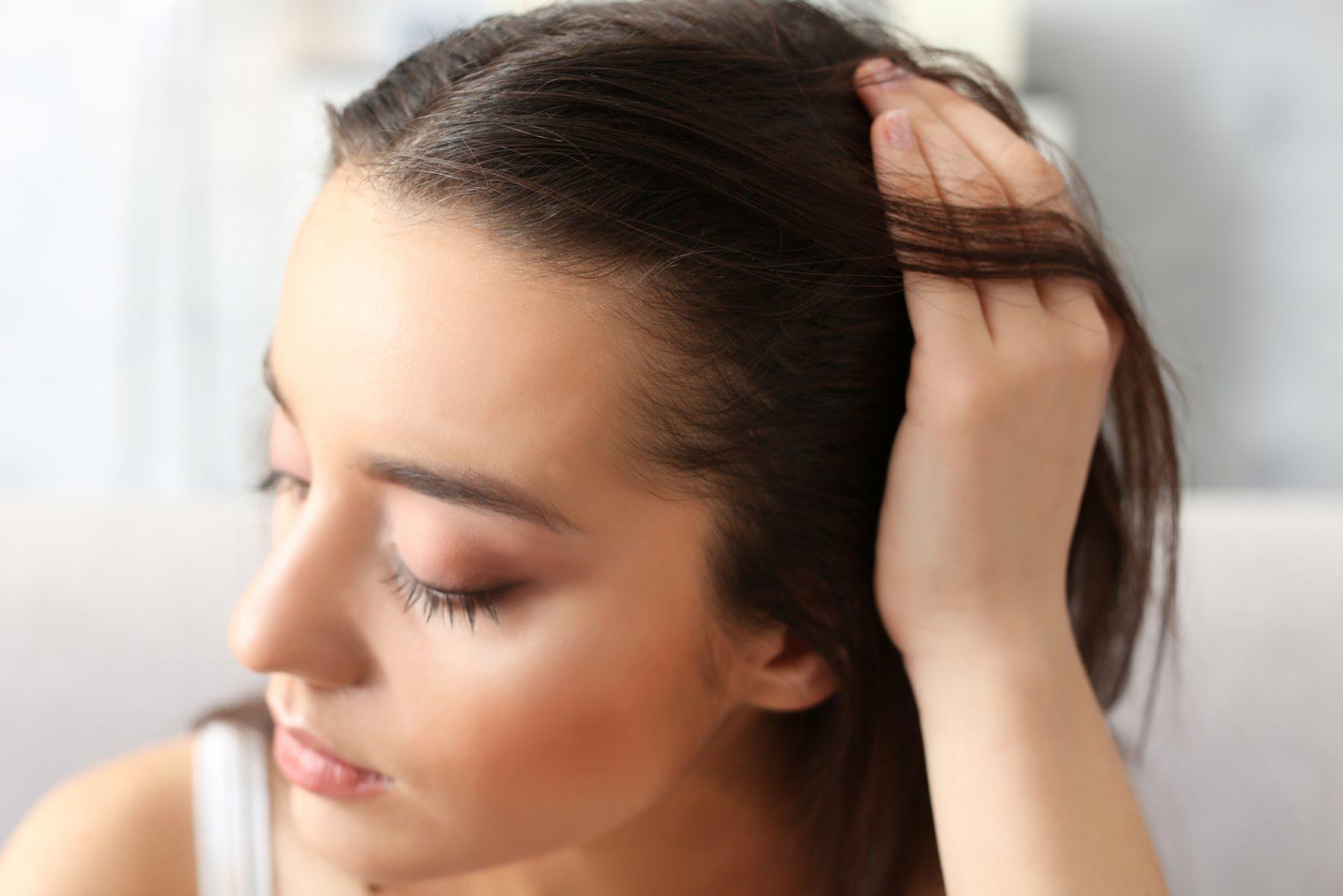 włosy ze skłonnością do przetłuszczania