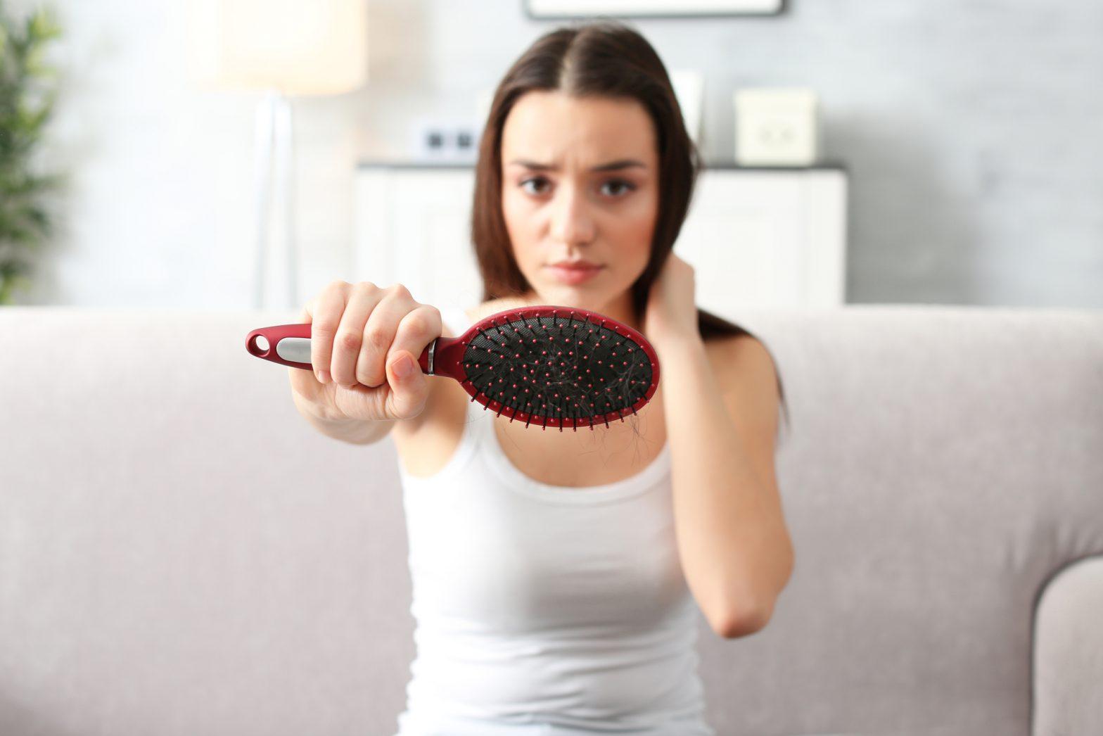 kosmetyki na wypadanie włosów włosów